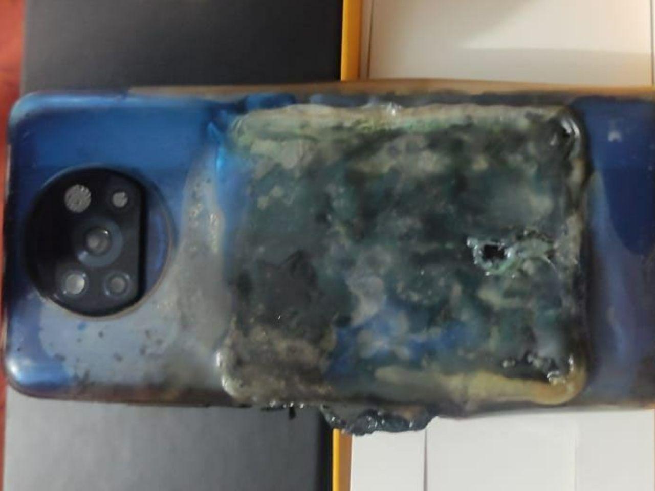 انفجار پوکو ایکس ٣ در هنگام شارژ شدن!