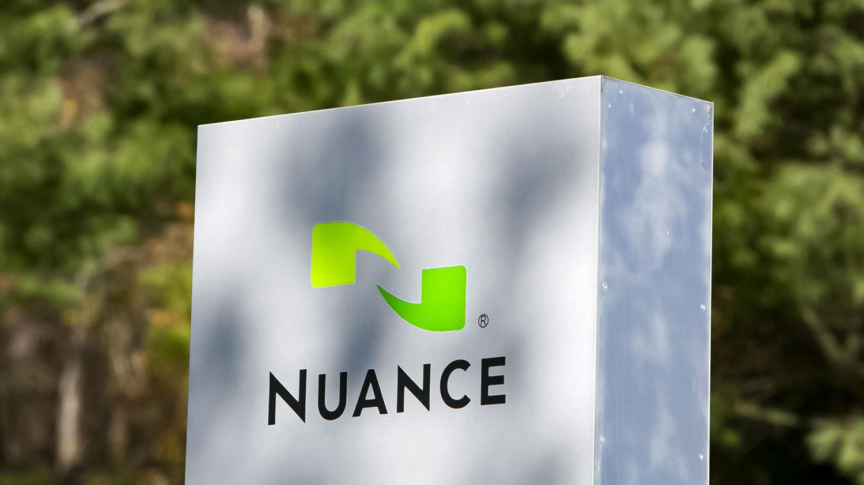 مایکروسافت شرکت هوش مصنوعی Nuance را خرید : توسعه دهنده Siri و Swype