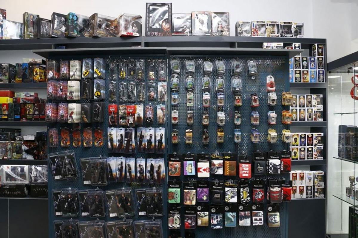 تنوع محصولات فروشگاه اکشن فیگور دالاران