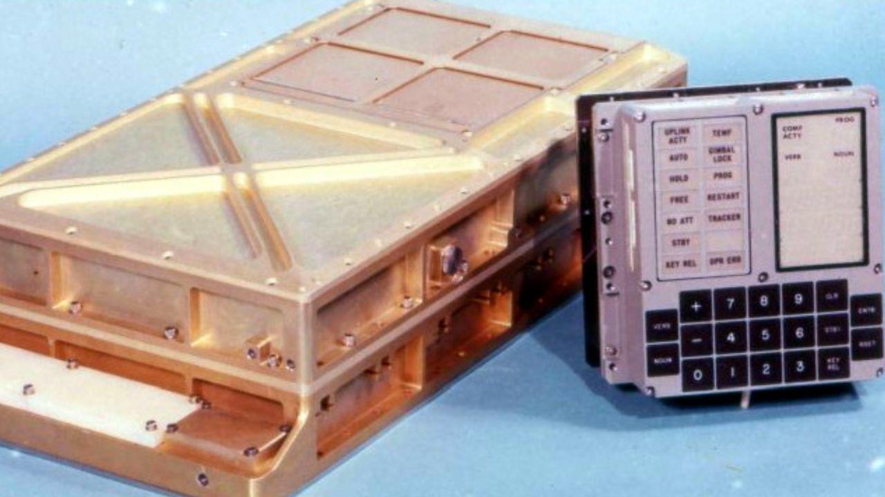 کامپیوتر هدایتگر پروژه آپولو ١١