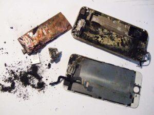 انفجار باتری آیفون ۶