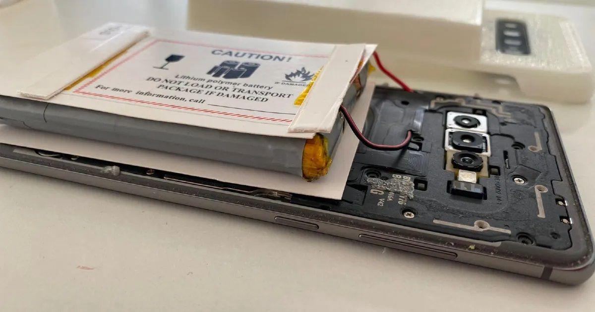 باتری ۱۴۰۰۰mAh گوشی