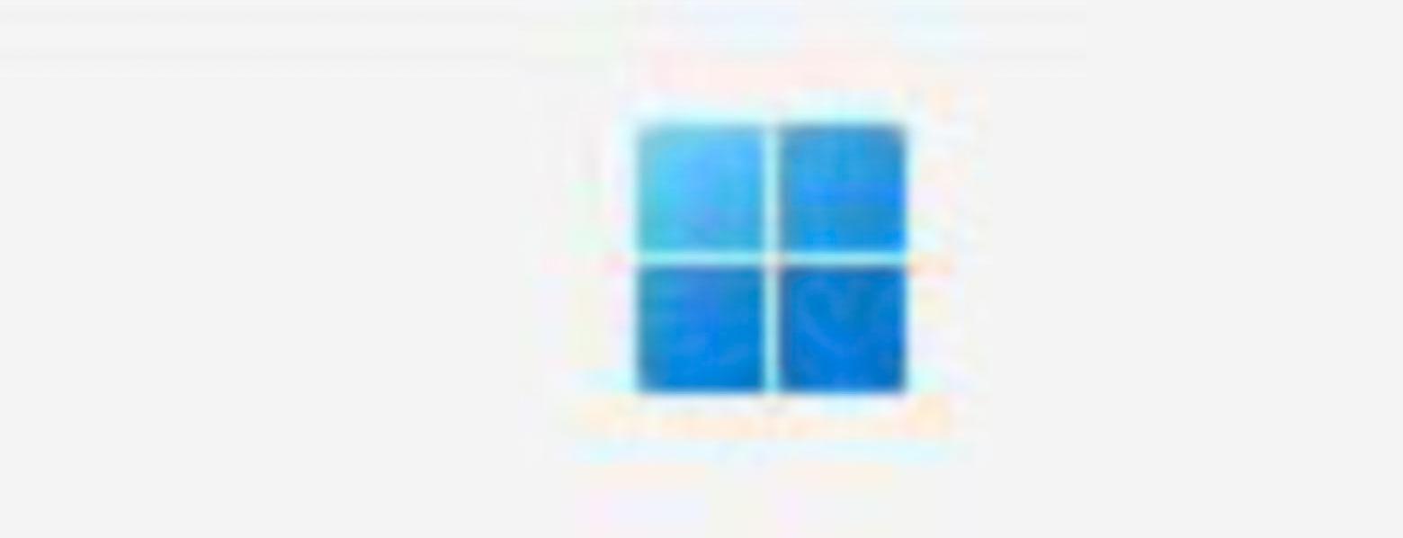 چند اسکرین شات ویندوز ۱۱ پرو و لوگو استارت آن لو رفت