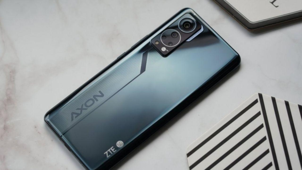 گوشی ZTE Axon 30
