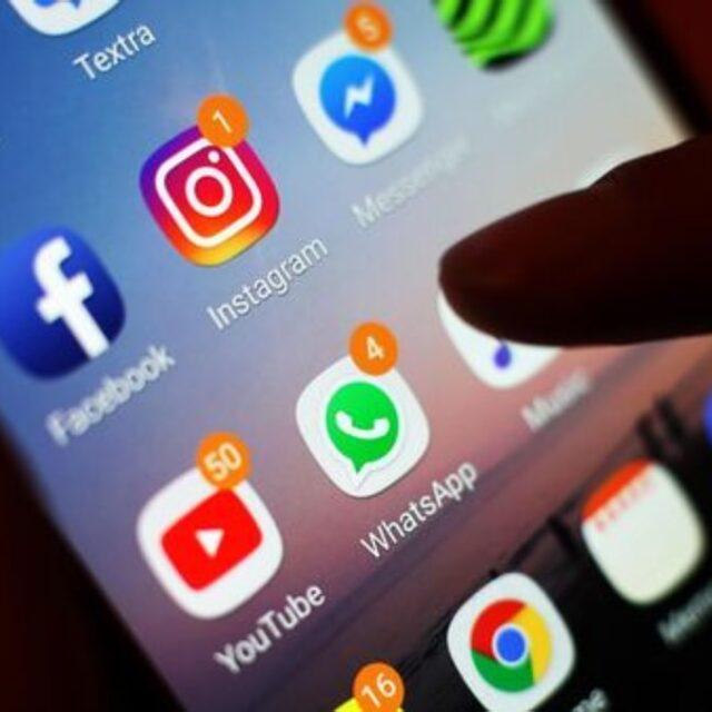 فشار بر فیس بوک برای فروش اینستاگرام و واتس اپ