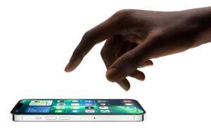 تیکه سامسونگ به اپل برای نمایشگر ۱۲۰ هرتز آیفون ۱۳ پرو